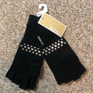 🆕 MICHAEL Michael Kors Studded Fingerless Gloves